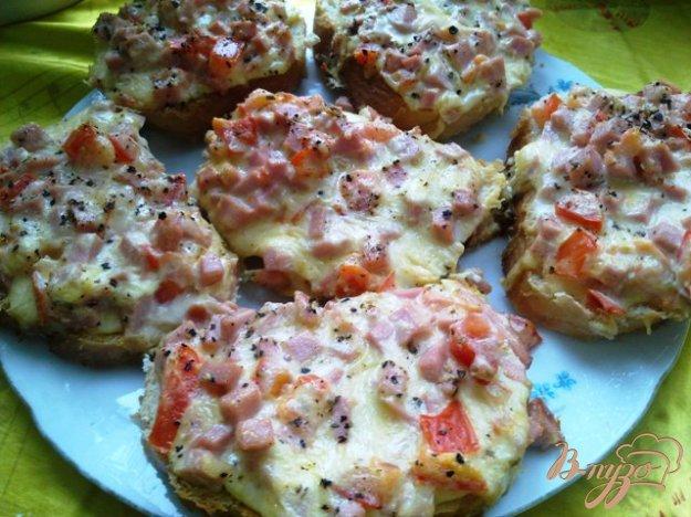 фото рецепта: Горячие бутерброды  на завтрак
