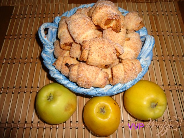Рецепт Крошки-рогалики с яблочным джемом