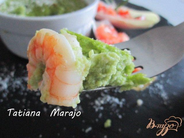 Фото приготовление рецепта: Нежный флан из брокколи с креветками шаг №7