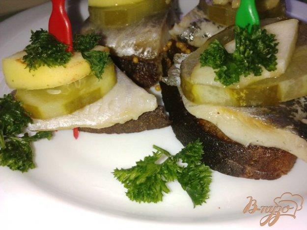 Рецепт Бутербродики закусочные с сельдью