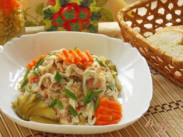 фото рецепта: Салат с отварной семгой