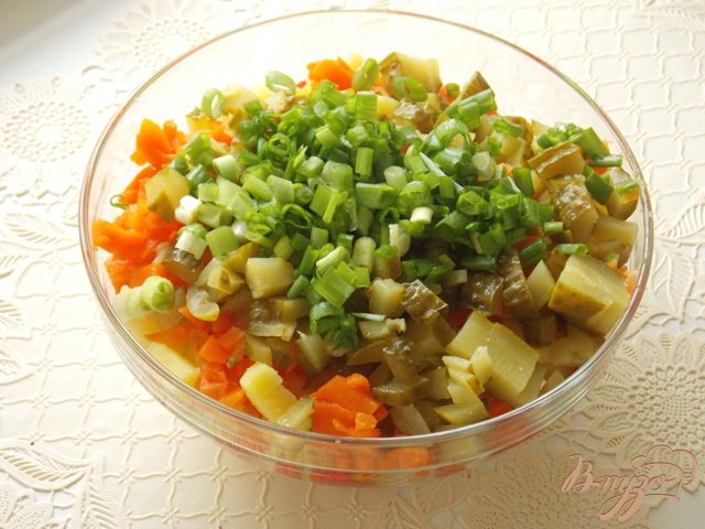 Фото приготовление рецепта: Салат с отварной семгой