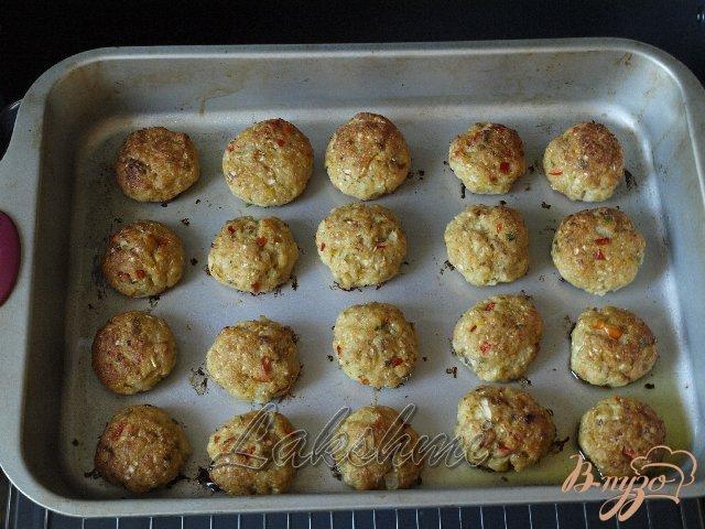 Фото приготовление рецепта: Куриные котлеты с овощами шаг №4