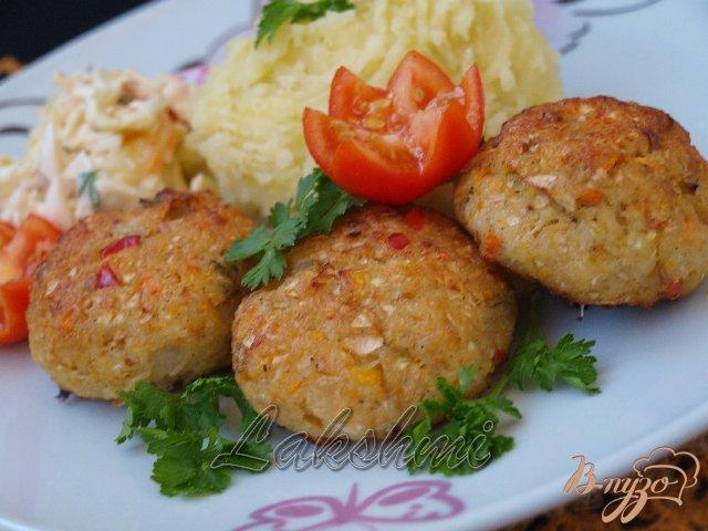 Фото приготовление рецепта: Куриные котлеты с овощами шаг №5