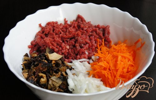 Картофельные зразы с грибами и говядиной