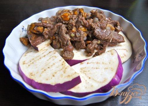 Запеченное мясо с овощами и грибами