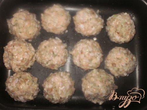 Куриные фрикадельки в сливочно-грибном соусе