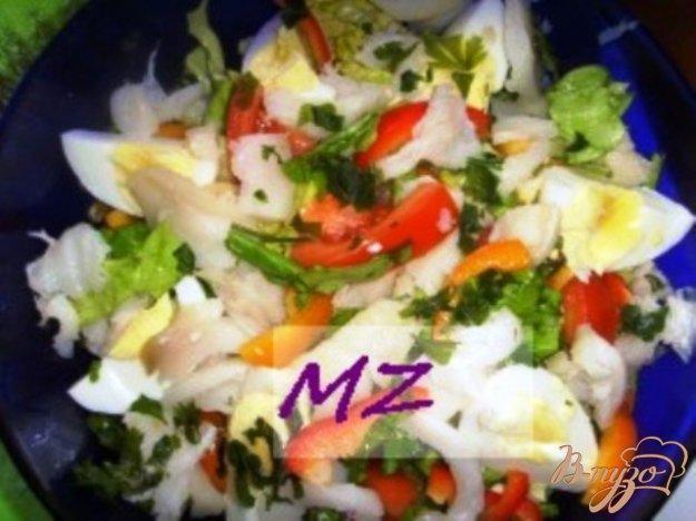 Рецепт Салат с копченой рыбой и овощами