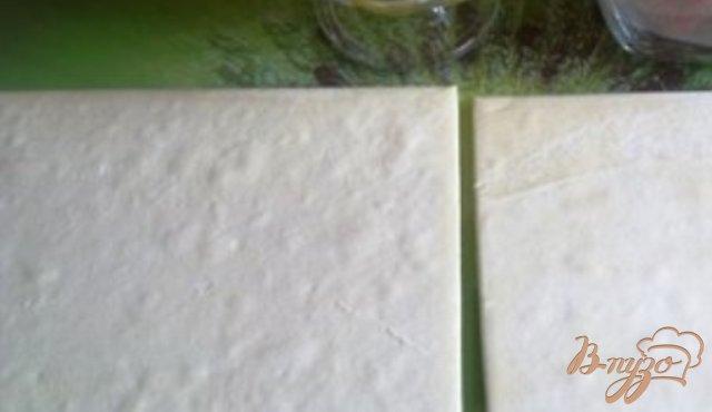 Фото приготовление рецепта: Волованы из слоеного теста шаг №1