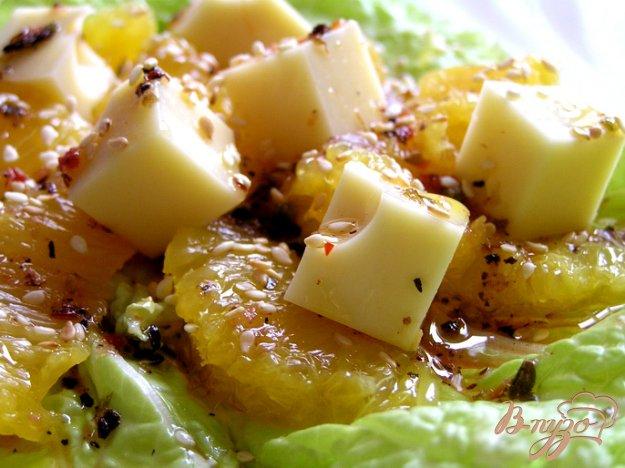 Рецепт Салат с апельсинами и сыром Эмменталь