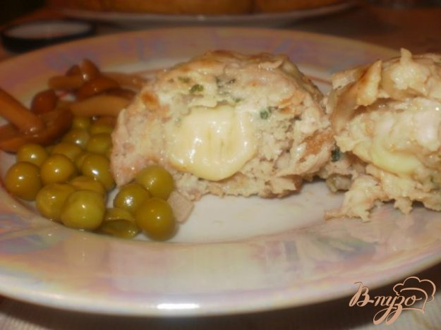 Рецепт Куриные котлеты с начинкой из сыра
