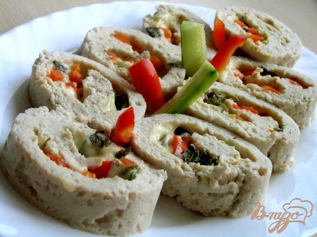 Рецепт Рулет из индейки с мятным сыром и красным перцем