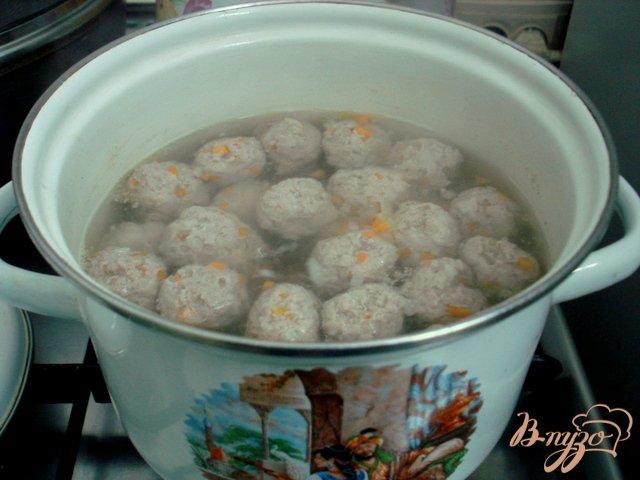 Фото приготовление рецепта: Овощной суп с фрикадельками шаг №2