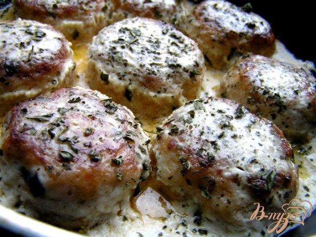 Рецепт Тефтели из индейки с базиликом и мятой в сливочном соусе