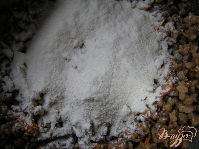 Фото приготовление рецепта: Котлеты из гречки шаг №3