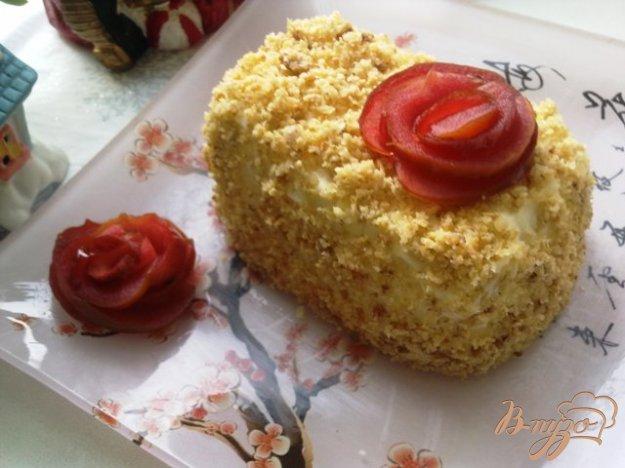 фото рецепта: Яблочное пирожное с карамелизированными овсяными хлопьями