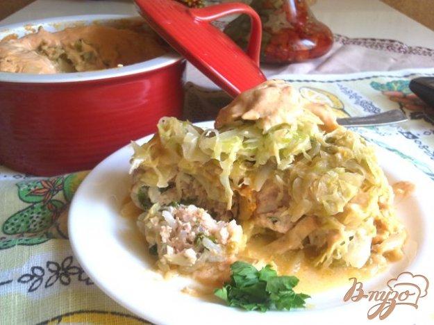 фото рецепта: Тефтели с капустой под соусом