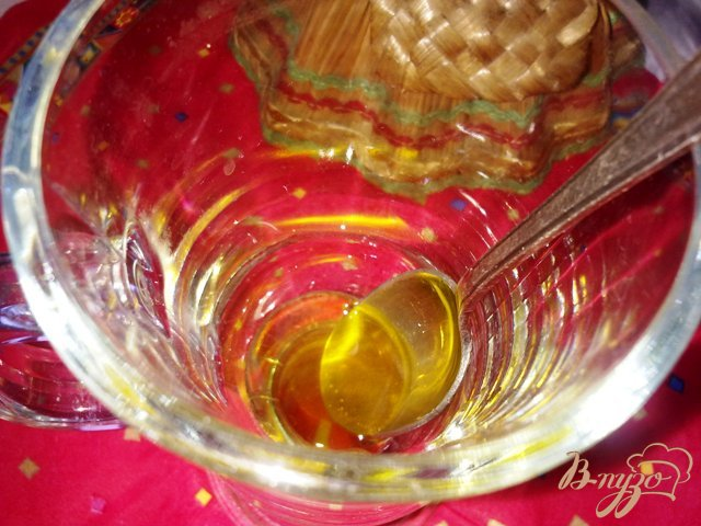 Фото приготовление рецепта: Клюквенный морс с медом шаг №3