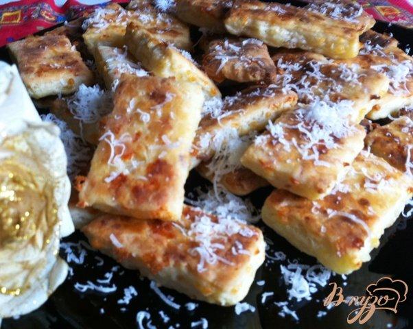 Фото приготовление рецепта: Сырное печенье шаг №6