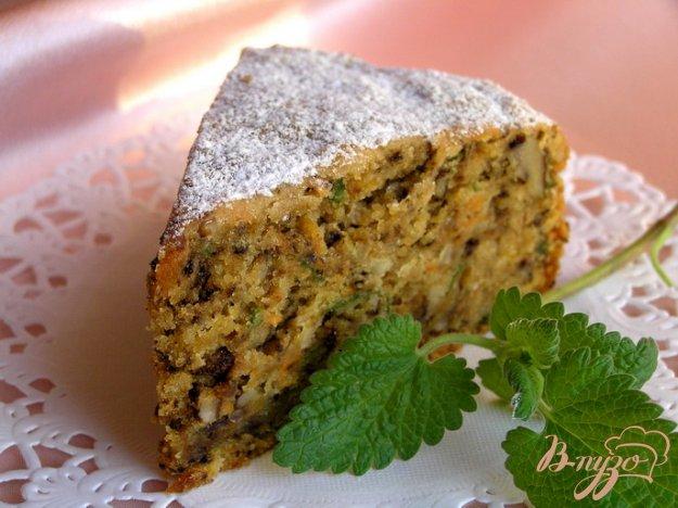 фото рецепта: Мятный морковный пирог с грецкими орехами