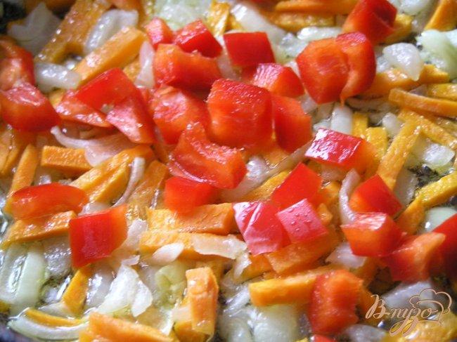Фото приготовление рецепта: Суп с консервой шаг №3
