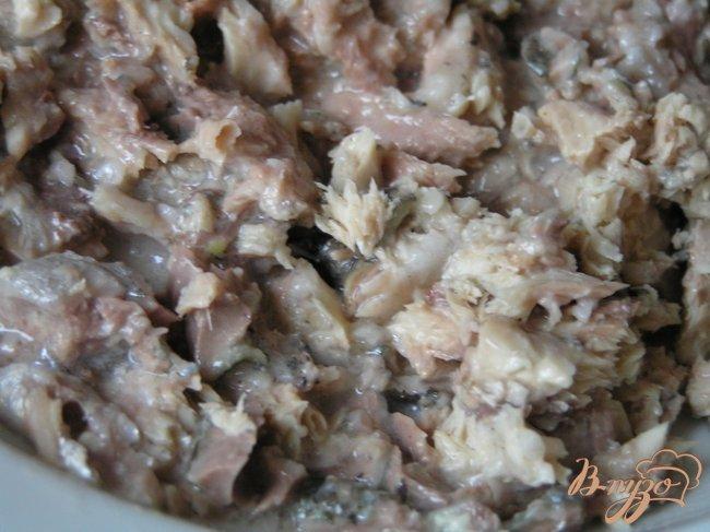 Фото приготовление рецепта: Суп с консервой шаг №4
