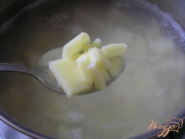Фото приготовление рецепта: Суп с консервой шаг №1