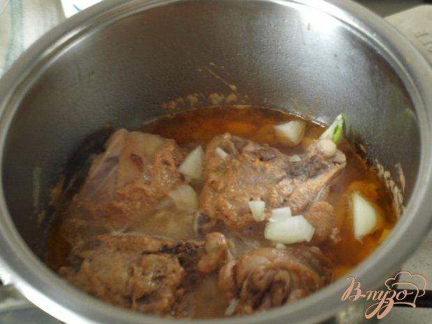 Фото приготовление рецепта: Курица ,тушеная с картофелем шаг №1