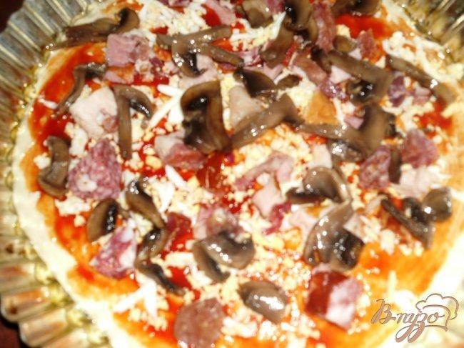 Фото приготовление рецепта: Любимая пицца шаг №2