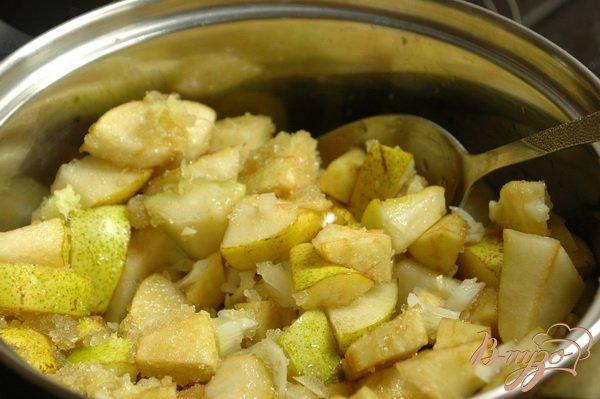 Фото приготовление рецепта: Грушевый чатни шаг №3