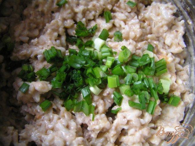 Фото приготовление рецепта: Рисово-гречневые котлеты шаг №4
