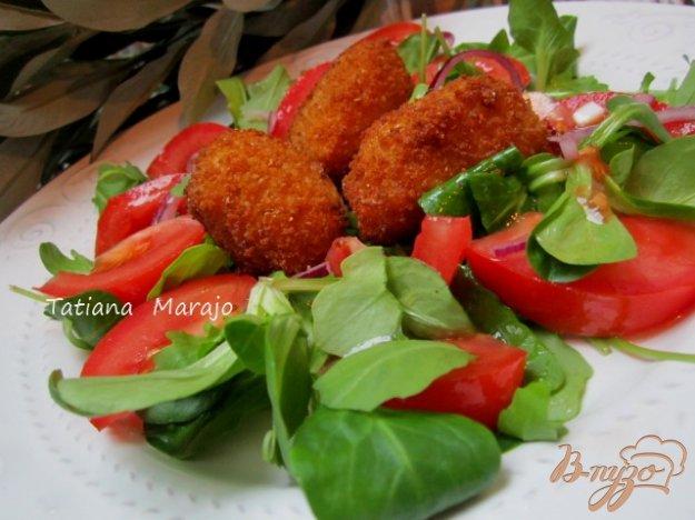 Рецепт Салат с жаренной моцареллой и томатами