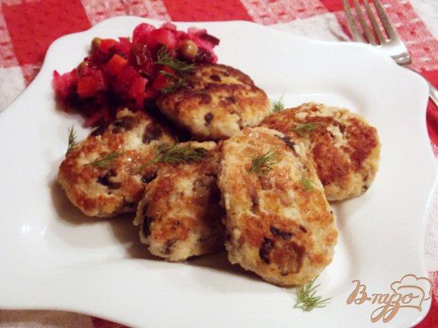 фото рецепта: Котлеты  с грибами и сыром