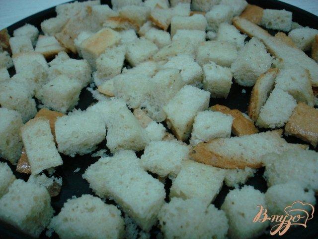Фото приготовление рецепта: Сухарики чесночные шаг №3