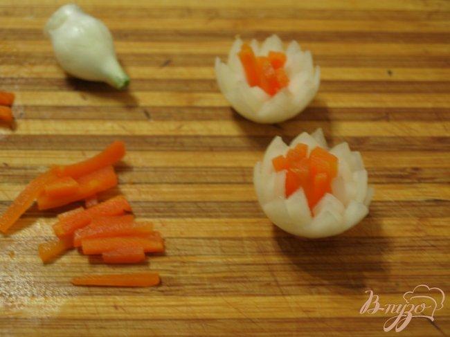 Фото приготовление рецепта: Рыбное заливное с украшением