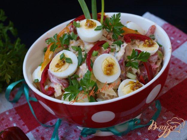 Рецепт Салат из савойской капусты с хурмой и перепелиными яйцами