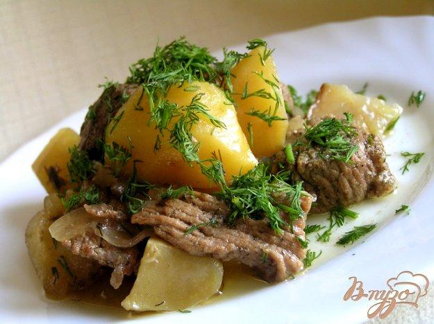 Рецепт Мясо в укропе с картошкой (в горшочке)