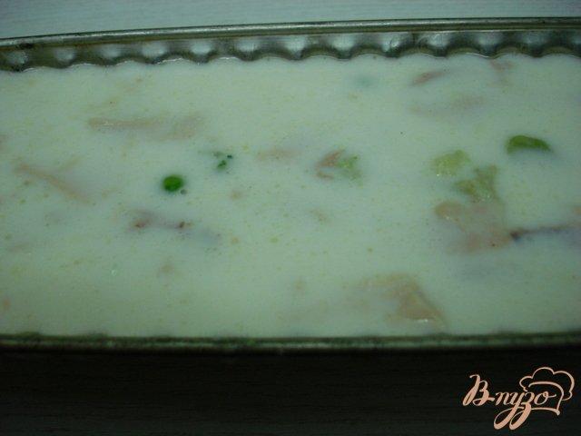 Фото приготовление рецепта: Заливное с курицей и овощами. шаг №6