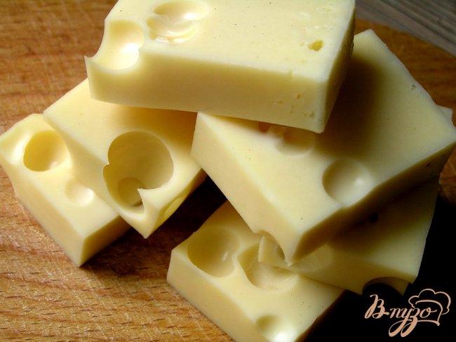 Фото приготовление рецепта: Маринованный сыр шаг №2