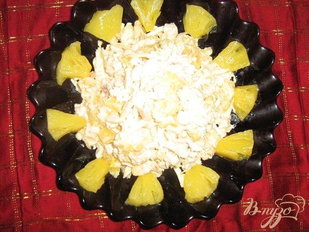 Рецепт Салат с сельдереем, куриным филе и ананасами