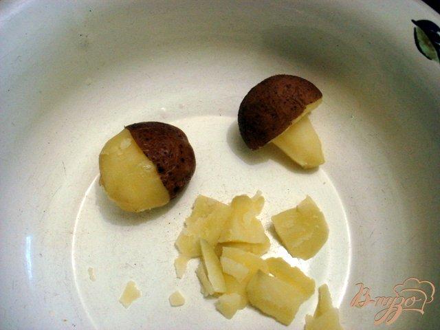 Фото приготовление рецепта: Грибочки из картофеля шаг №2