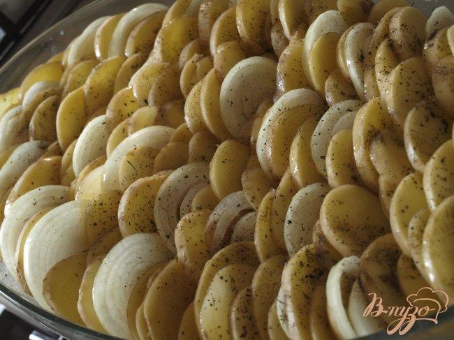 Фото приготовление рецепта: Картофельный гратин шаг №4