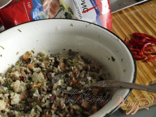 Шампиньоны фаршированные рисовой начинкой