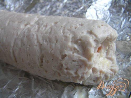 Рулет из индейки с мятным сыром и красным перцем