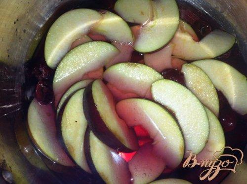 Яблочное пирожное с карамелизированными овсяными хлопьями