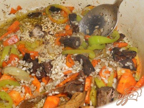Рисовый суп с маслятами