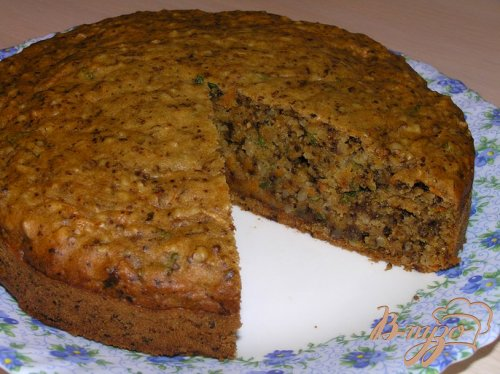 Мятный морковный пирог с грецкими орехами