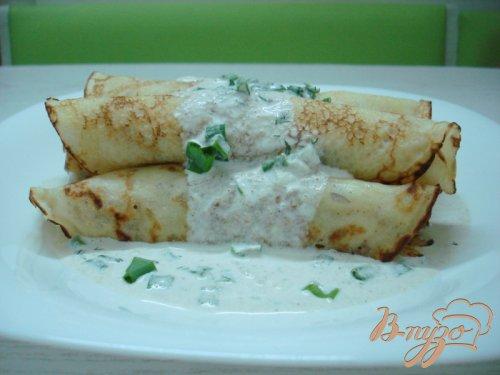 Блины с картошкой и соусом из салаки