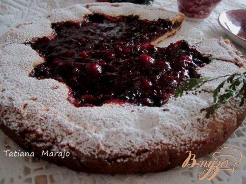 Песочный пирог с ягодами