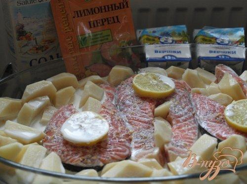 Сёмга запечённая в сливках с картофелем